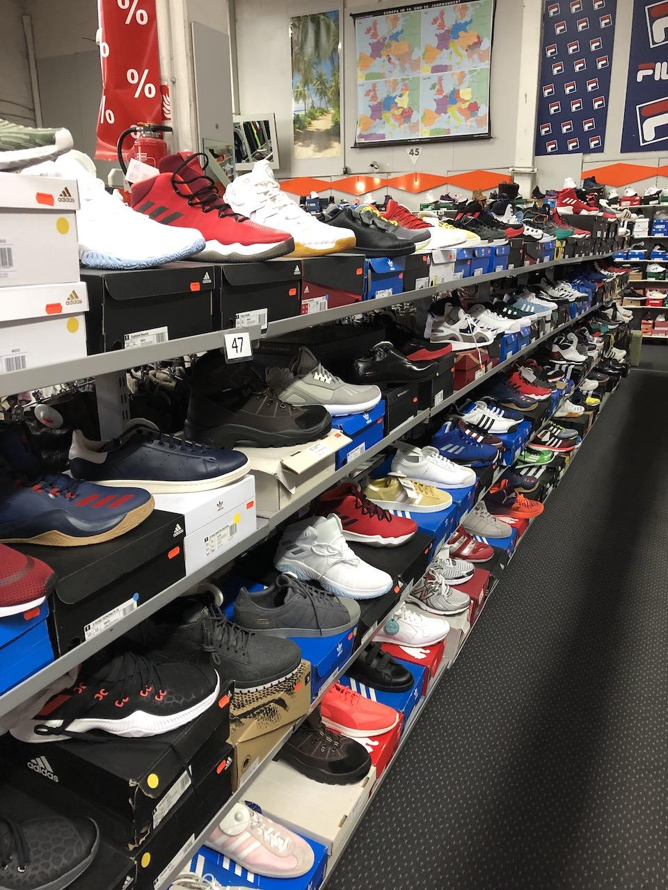 Schuhe in Übergrößen bis Größe 55