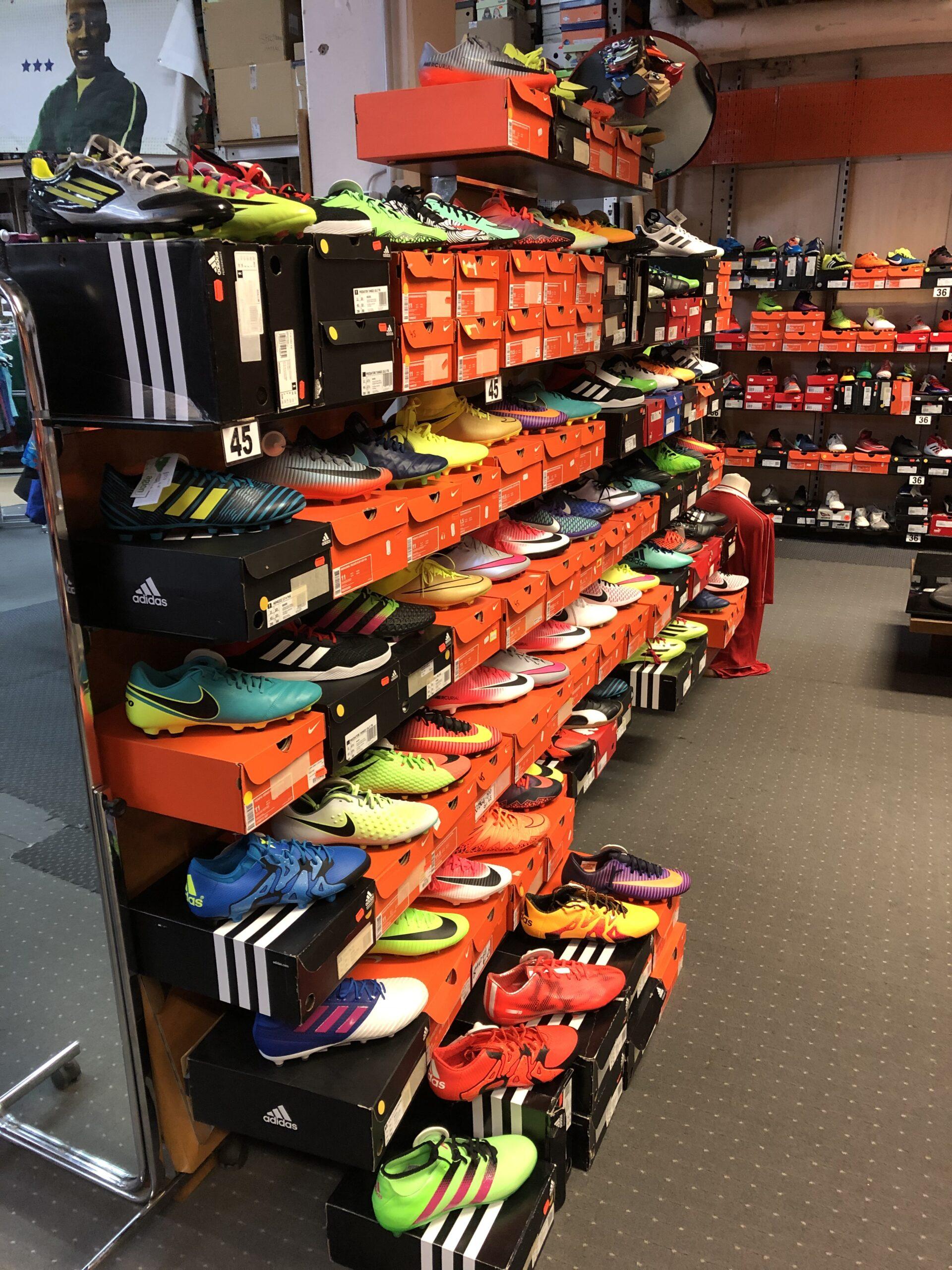 Fußballschuhe Nike, Adidas, Puma...